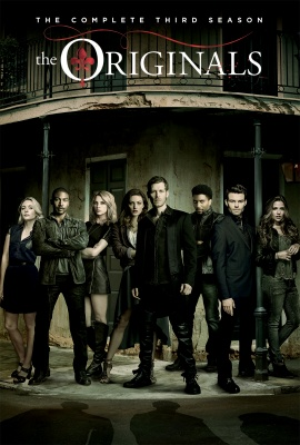 Picture by: Warner Bros. The Originals cast pose for their season 3 photo.