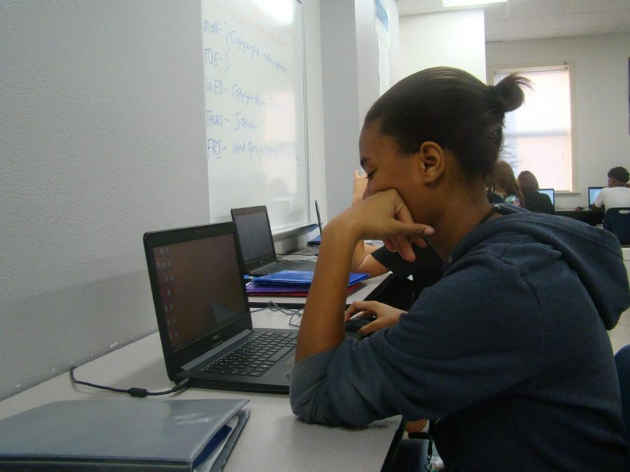Cierrah Utsey does her homework.