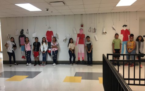 Spanish class features a paper doll runway show