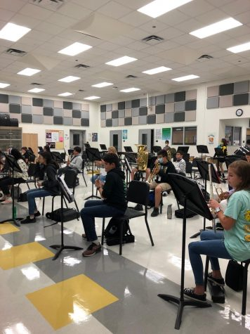 Concert band works on Fall music